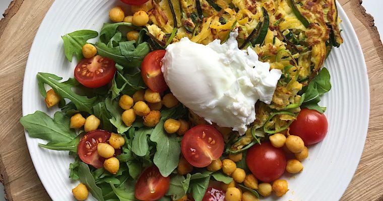 Fritters de légumes d'automne et salade fraîcheur