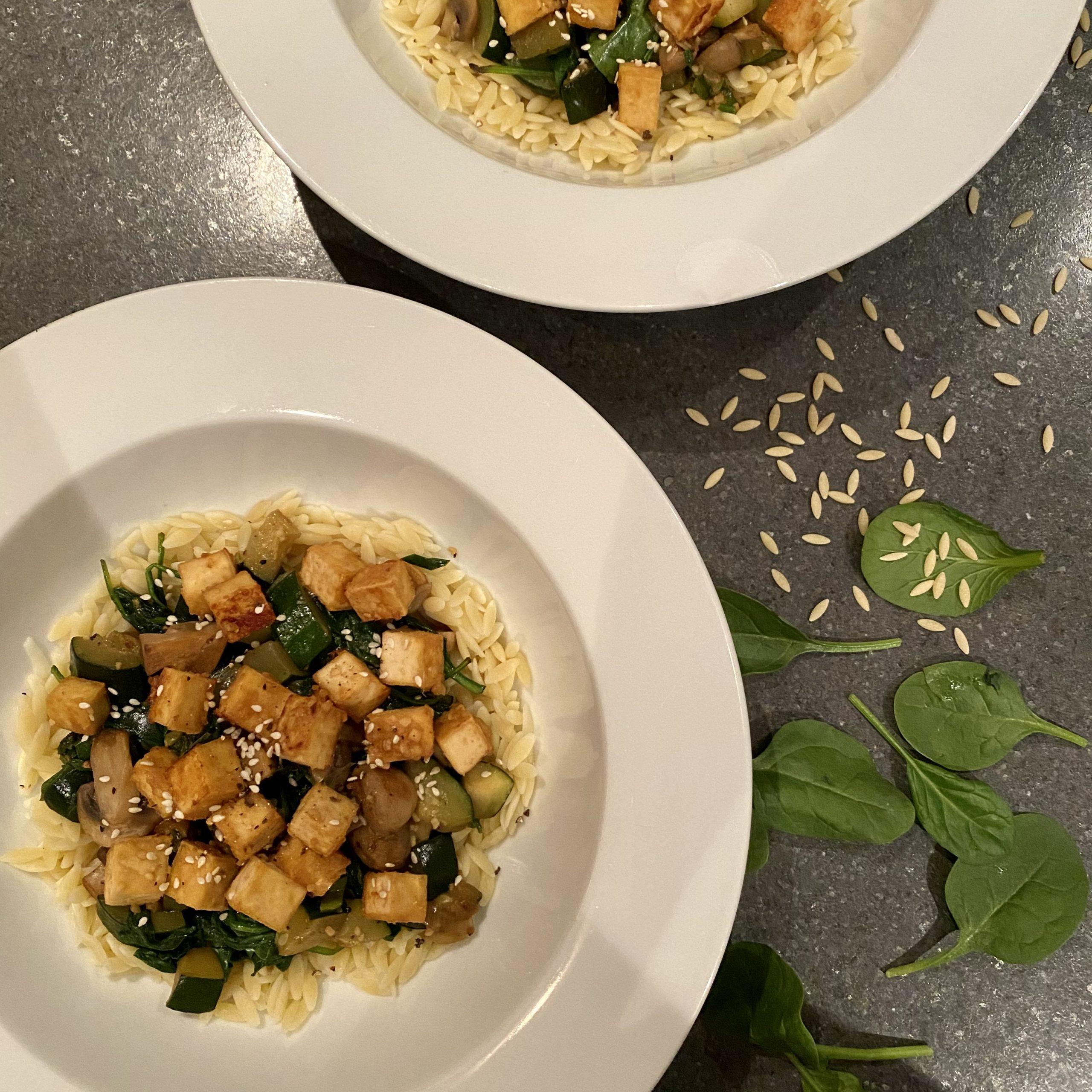 Orzo au tofu et aux légumes verts